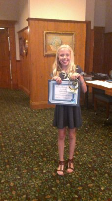 Sadie-Burke-Above-and-Beyond-Award